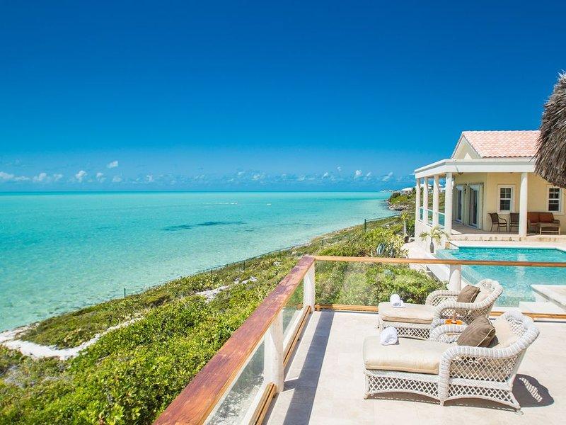 ** RAVE REVIEWS- Family Friendly Ocean Front 3 Bedroom, 3 Bath Villa, holiday rental in Providenciales