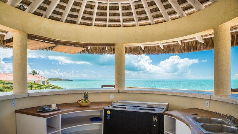 ** RAVE REVIEWS- Family Friendly Ocean Front 3 Bedroom, 3 Bath Villa, vakantiewoning in Leeward