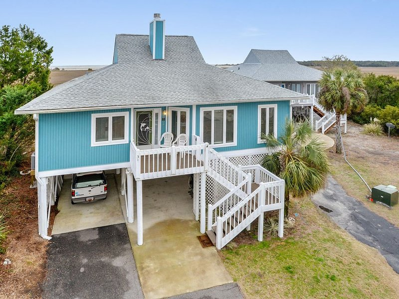 Stunning Ocean and Marsh View - Golf Cart Included!, holiday rental in Harbor Island