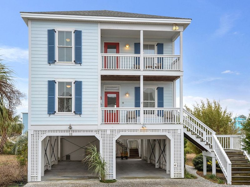 Updated and upgraded! TVs, ceiling fans all bedrooms, WiFi, Ipod dock, hammock!, holiday rental in Harbor Island