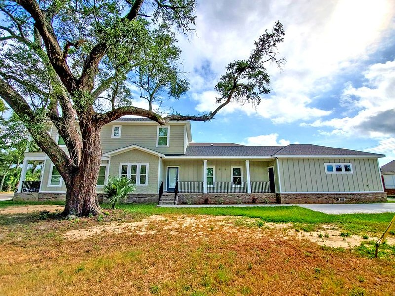 Beautiful home located in the heart of Downtown Pensacola! Pet Friendly!, alquiler de vacaciones en Pensacola