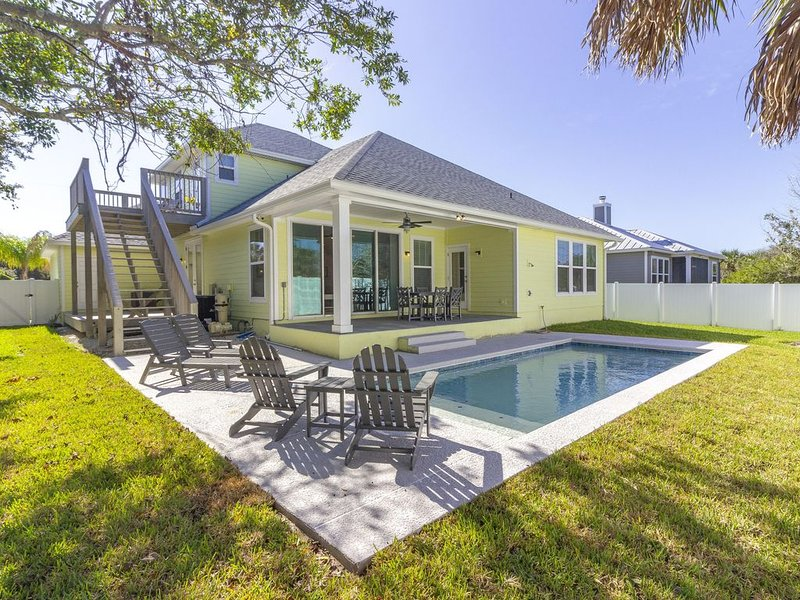 New Home  ~ Heated Pool ~ Professionally Decorated ~ Steps to the Beach!!! – semesterbostad i Vilano Beach