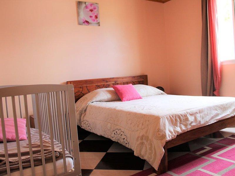 Appartement avec balcon, parking à 5m du centre ville – semesterbostad i Cilaos