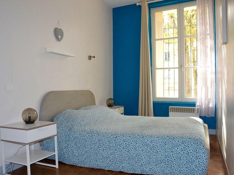 Appart 2 chambres, entre gare SNCF et hypercentre, location de vacances à Isneauville