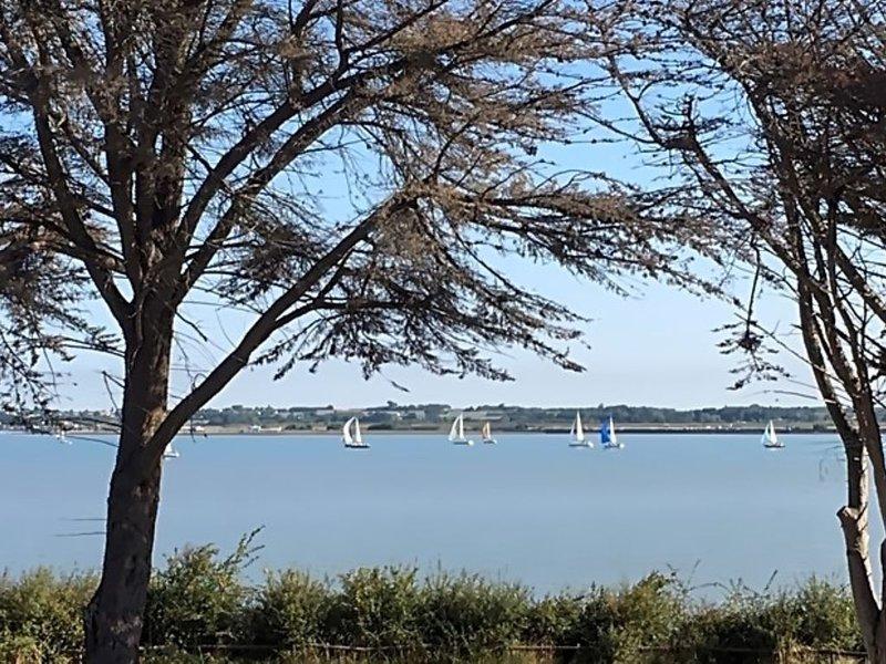 Villa, 2-4 pers, vue mer, piscine, classification : 3 clés 3 *, vacation rental in Saint Nazaire sur Charente