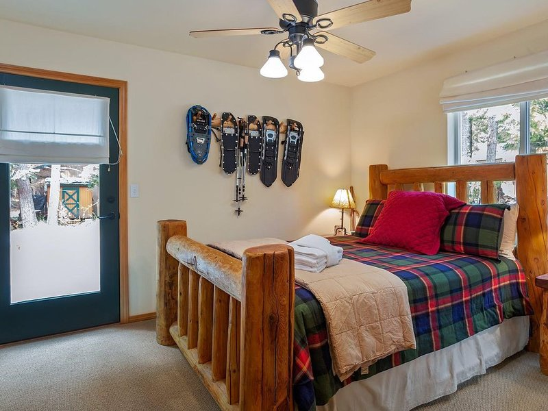 Elk Corral Cabin-Easy Access To Crystal and Mt. Rainier, holiday rental in Greenwater