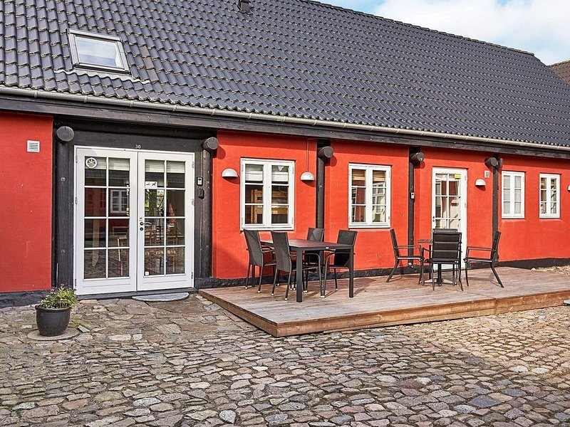 Vibrant Holiday Home in Bornholm with Swimming Pool, vacation rental in Roenne