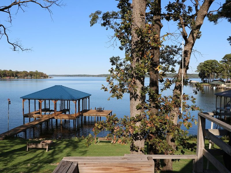 ***NEW*** Relax & Enjoy the Serenity of Lake Palestine, alquiler vacacional en Larue