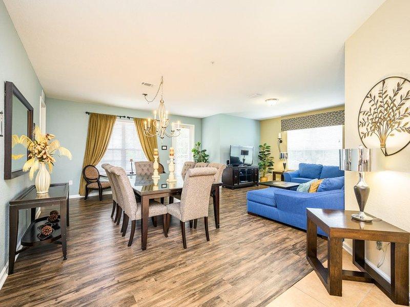 4 Bedroom Lake View Condo [CDC APPROVED], Vista Cay | 1003, location de vacances à Pine Castle