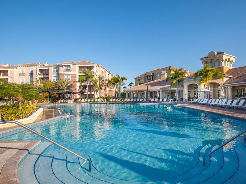 Beautiful Deluxe Condo, Vista Cay, Orlando | 3010, holiday rental in Pine Castle