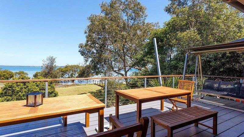 Barefoot Beach House, vacation rental in Salamander Bay