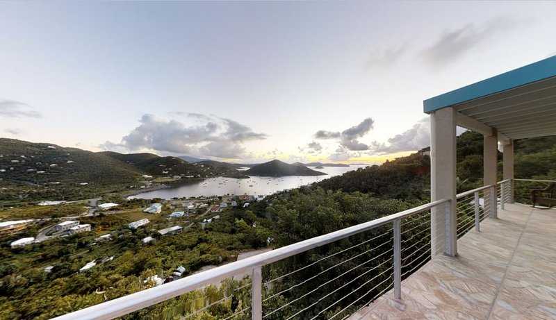 ★ Harbor Master ★ Sunrise Views | Open Air | Sunbathing & Stargazing Pool Deck, location de vacances à Coral Bay