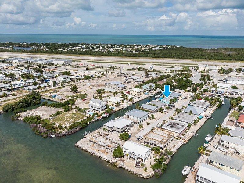 Luxury Living in Paradise!  5 bedrooms, Dockage, Ocean View. Relax, Unwind, Fish, location de vacances à Marathon