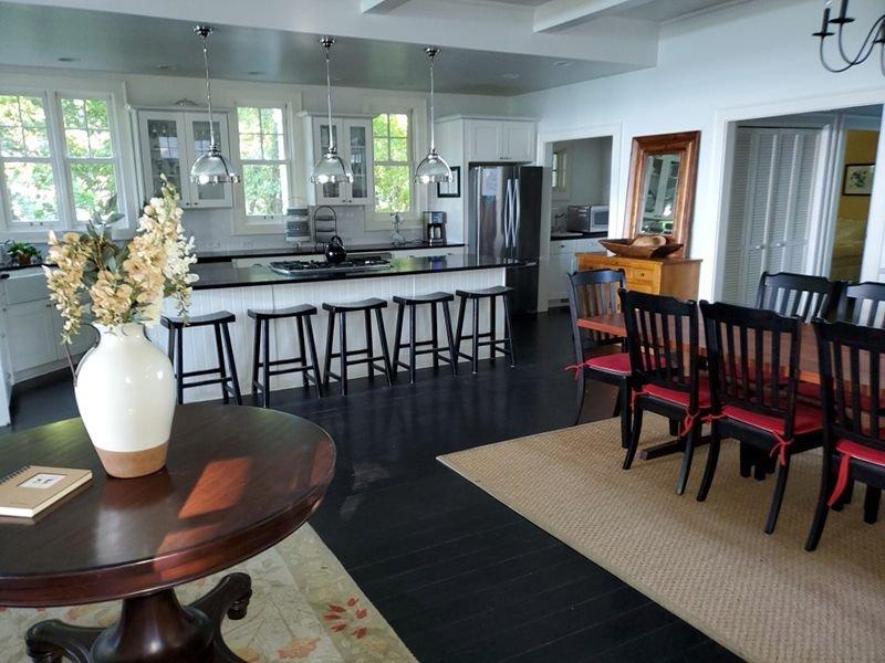Open all year! Lake Michigan Luxury Lake House, alquiler de vacaciones en Berrien County