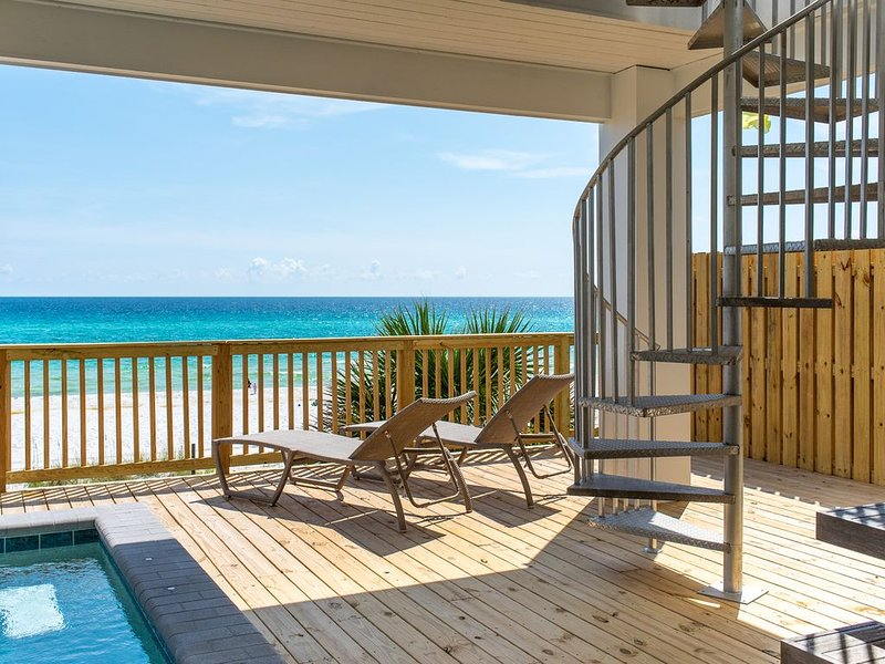 Gulf Front! Private Pool!, holiday rental in Carillon Beach