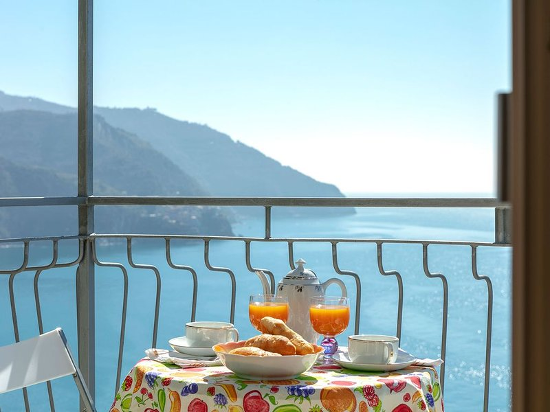 Landscape Upstairs Apartment, holiday rental in Corniglia