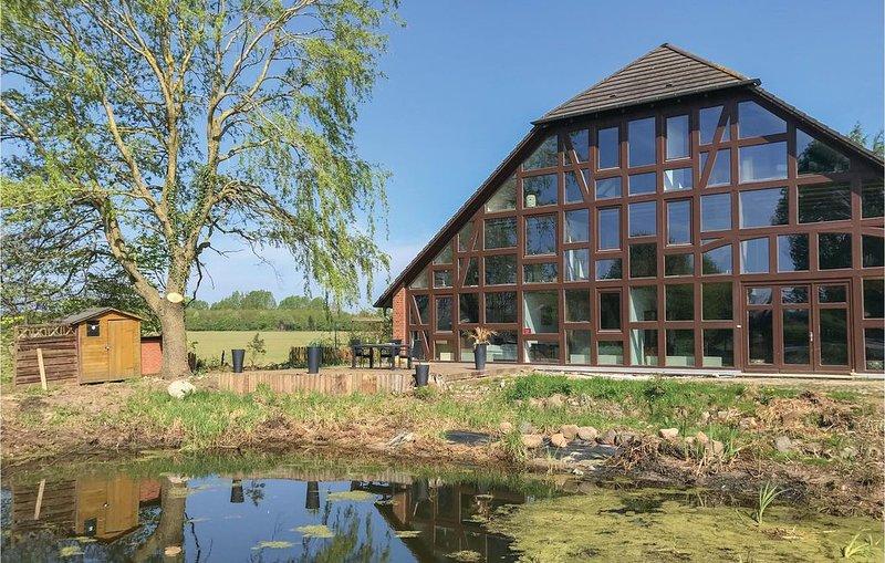 10 Zimmer Unterkunft in Dragun, alquiler vacacional en Schwerin