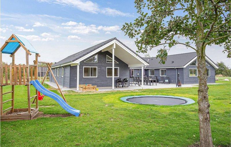 8 Zimmer Unterkunft in Idestrup, holiday rental in Nykobing Falster