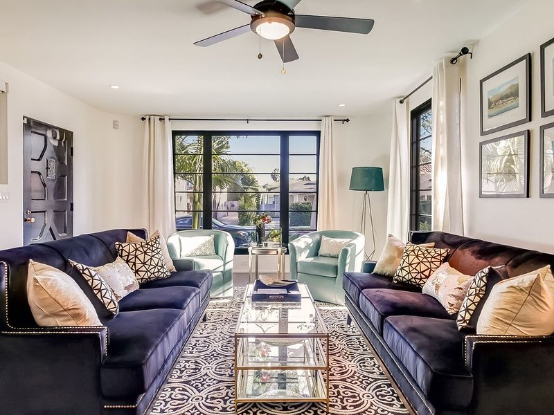 Epic West Beach property - outdoor living, 2 blocks to beach, Funk Zone, pier, h – semesterbostad i Santa Barbara