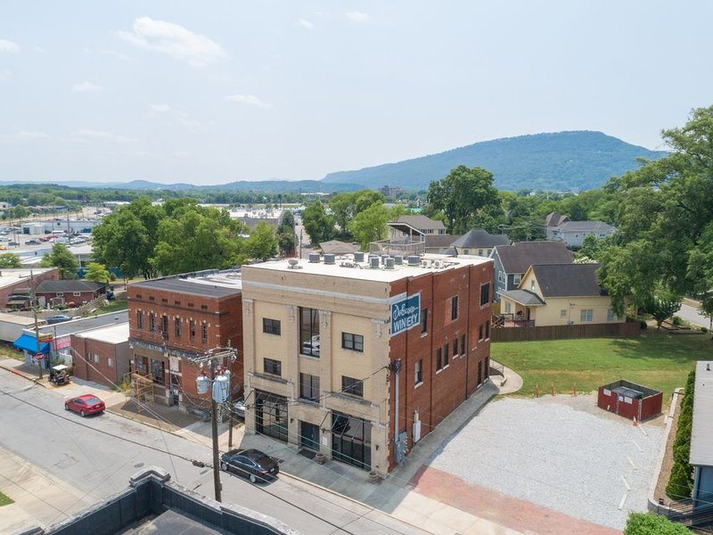 DOWNTOWN Loft living - (Main Street/Southside ), vacation rental in Chattanooga