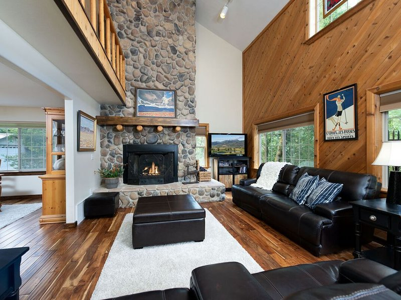 Quiet. Immaculate. Sleeps 16. Lots of Outdoor Living. Eden, Utah RH, holiday rental in Brigham City