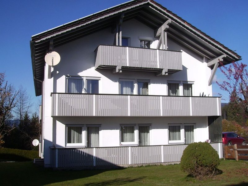 Spacious holiday apartment in the southern Bavarian Forest with balcony, holiday rental in Srni