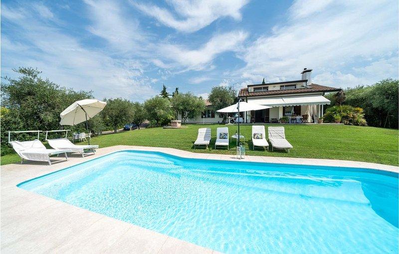 5 Zimmer Unterkunft in Bardolino VR, alquiler vacacional en Cisano
