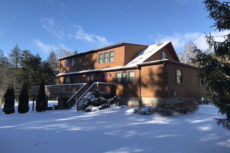 Winter Skiing, Summer Weddings - Sleeps 11!, vacation rental in Margaretville