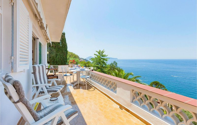 3 Zimmer Unterkunft in Massa Lubrense NA, holiday rental in Marina di Puolo