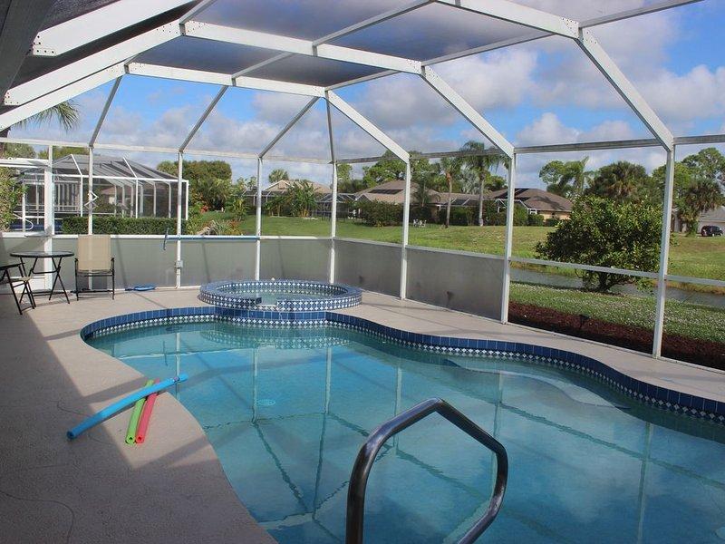Newly Renovated  Beautiful 4 Bedroom House Near Beach, casa vacanza a Rotonda West