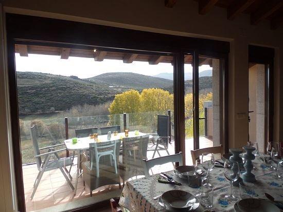 Casa rural (alquiler íntegro) El Cerrillo para 6 personas, location de vacances à Mombeltran