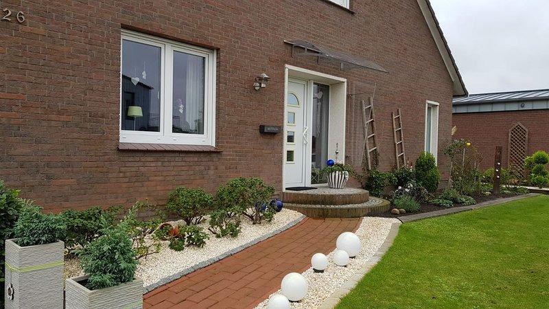 Schöne Ferienwohnung in sehr guter Erreichbarkeit von Leer und Papenburg, casa vacanza a Finsterwolde