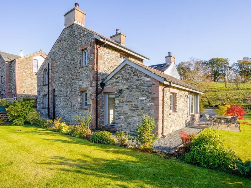 Large, Luxurious, High Quality, 'Green' Cottages (Lake District & Dales National, holiday rental in Kendal