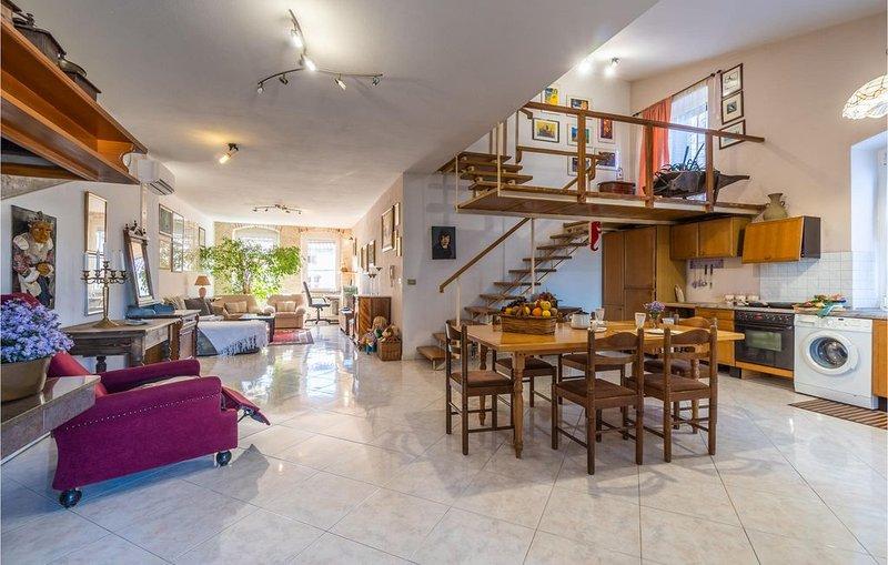 3 bedroom accommodation in Vodnjan, location de vacances à Vodnjan