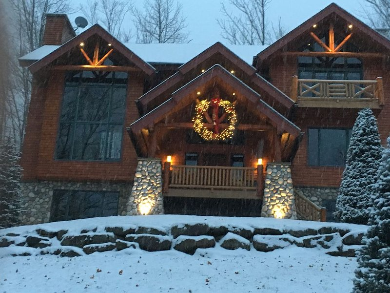 Luxury Ski Windham Resort directly on Ski Mountain. Enjoy direct ski in/out, location de vacances à Ashland