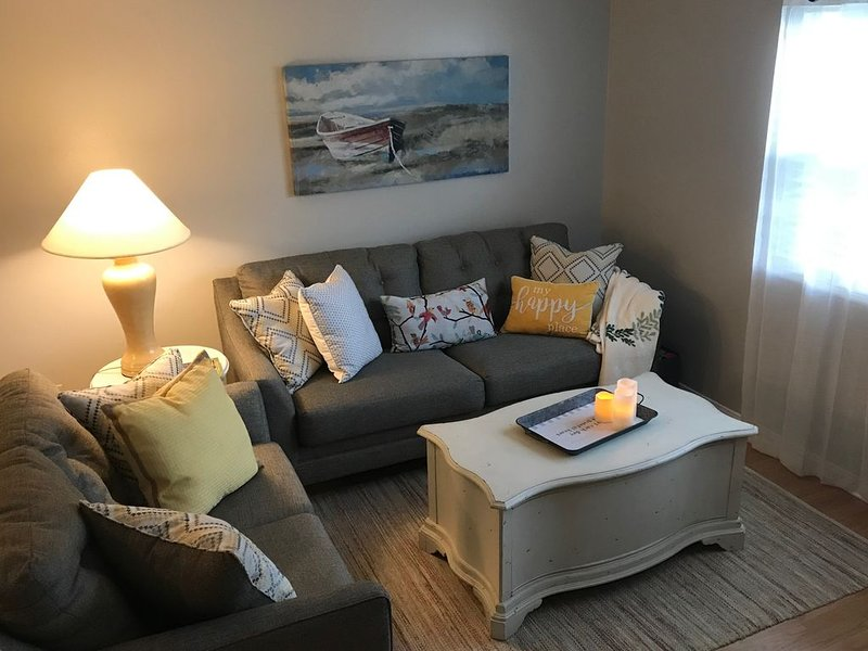 My Happy Place -Pet Friendly Home Close To It All, vakantiewoning in Fayetteville