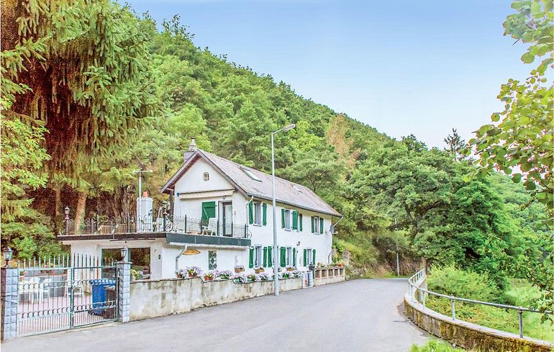 2 Zimmer Unterkunft in Kautenbach, casa vacanza a Koerperich