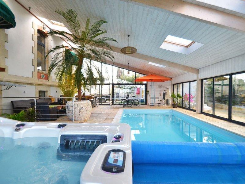 Villa 4* vue mer plage piscine intérieure privée chauffée jacuzzi sauna billard, vacation rental in Saint Nazaire sur Charente