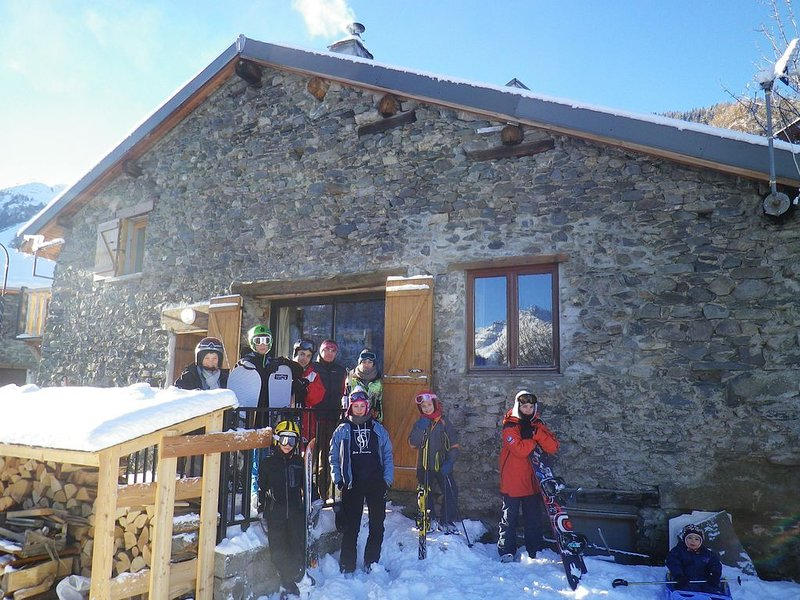 Chalet familial avec une superbe vue, au calme, ambiance refuge, holiday rental in Saint Michel de Maurienne
