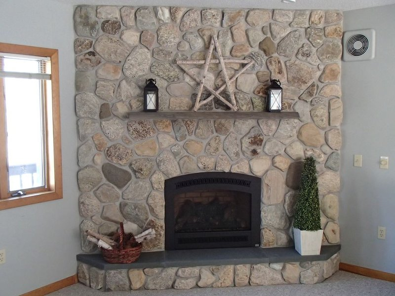 Rocky River Resort 3 BR Town Home – semesterbostad i Hart's Location