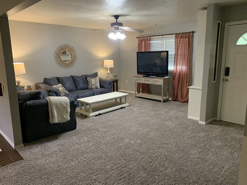 The best home away from home in Stillwater!!, holiday rental in Stillwater
