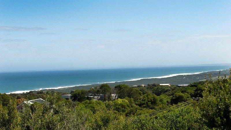 Sea Vista on Bass Vista - Anyone for Golf?, vacation rental in Cape Schanck