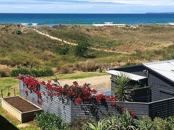 Brilliant Beachfront Bach - Beachfront Bach Papamoa, location de vacances à Paengaroa