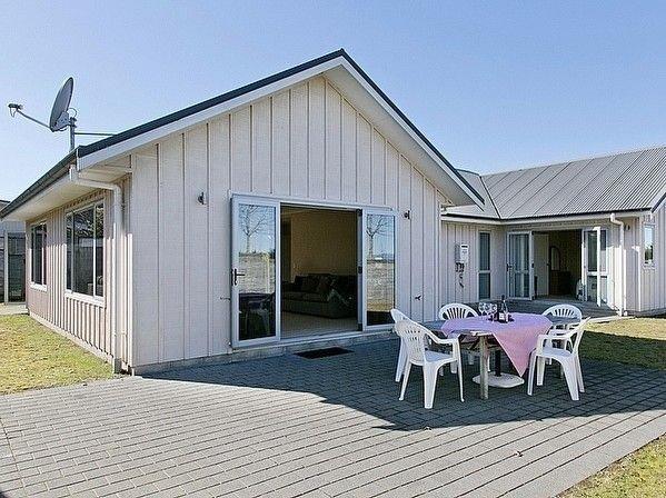 Lochaber Lodge - Acacia Bay Holiday Home, vacation rental in Acacia Bay