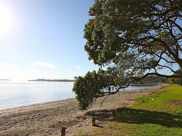 Tamatea Tides - Snells Beach Holiday Apartment, holiday rental in Warkworth