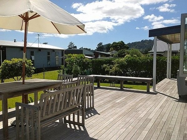 Kowhai Retreat - Matarangi Holiday Home – semesterbostad i Matarangi