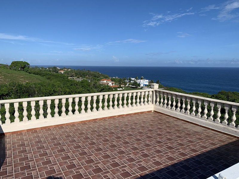 Breathtaking Atlantic Ocean View, holiday rental in Hatillo