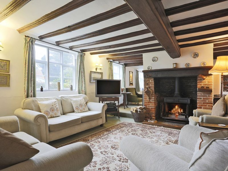 Old Brewery House - Four Bedroom House, Sleeps 8, alquiler vacacional en Butley
