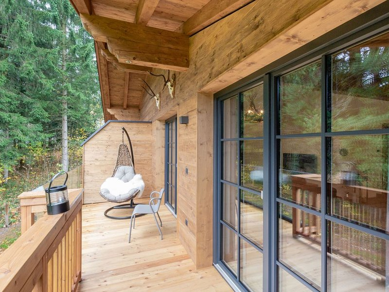Luxurious Mountain View Holiday Home with Sauna in Krimml, vacation rental in Gerlos