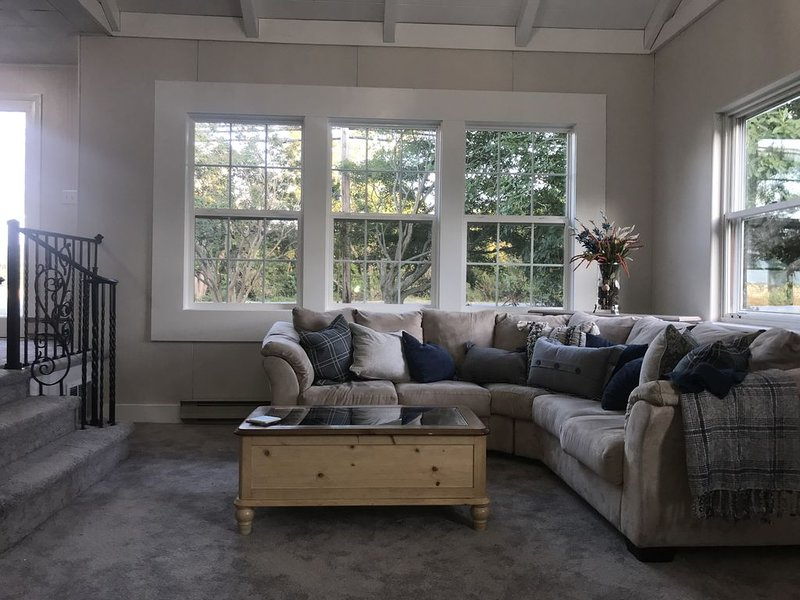 Cozy, Newly Renovated Lewes Home - Feel Right at Home While You're Away!, holiday rental in Lewes
